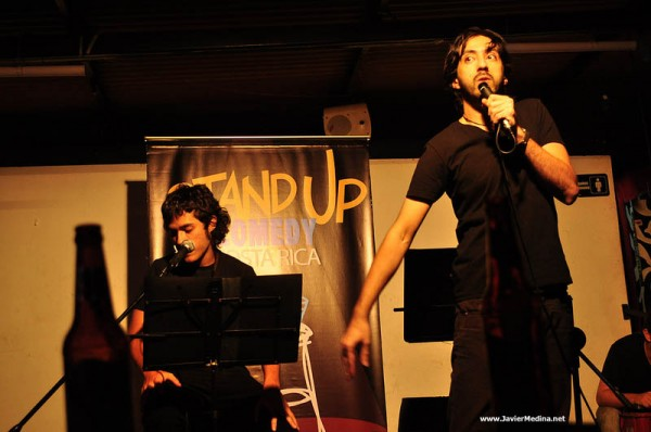 mariguanologos-stand-up-comedy-01